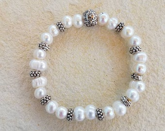 White Pearls with Silver Beads Bracelet, White Freshwater Pearl Bracelet, White pearls, Silver Beads, Silver Accents, Pearl Bracelet, Pearls