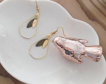 Feminine and elegant earrings gold, white and silver Miyuki beads