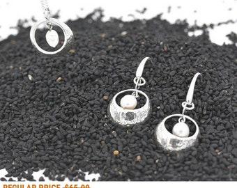 silver pearl earrings, pearl jewelry, white pearl earrings, 925 pearl earrings, Gentle earrings, silver pearl, dangle pearl earrings, drop