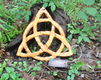 Hand-Carved * Celtic Trinity Knot