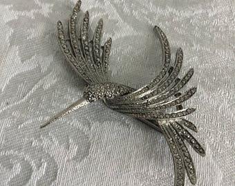 Beautiful Hummingbird Pin