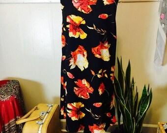 """SALE Vintage """"Beware!"""" Flowered Shift Dress"""