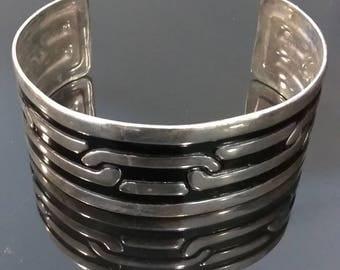 Vintage Hand Painted Bracelet - Chain Link Design