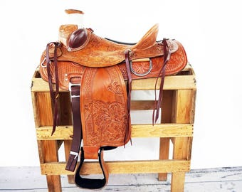 Handmade Western Wade Horse Trail Padded Seat With Bucking Rolls Floral Tooled leather Saddle Made To Order
