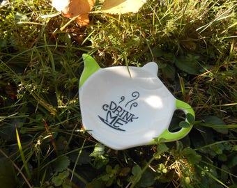 Teapot Shaped Tea Bag Holder Caddy - Alice's Adventures in Wonderland - Drink me