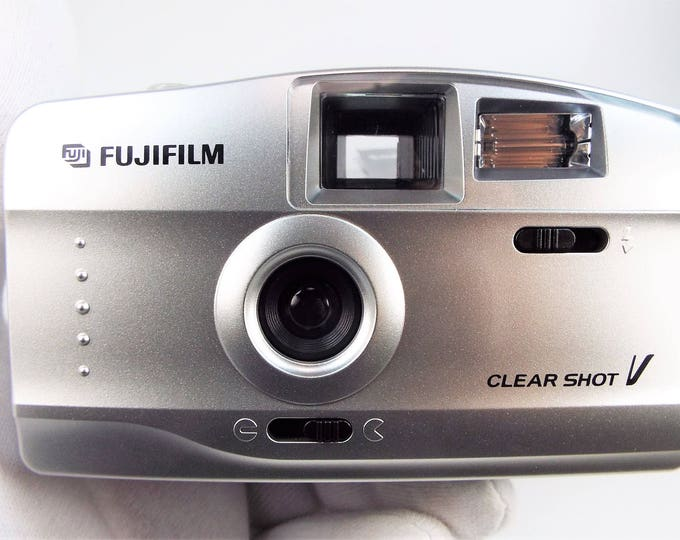 Fujifilm Clear Shot V 35mm Film Camera Outfit - Mint New in Box - Fujinon 29mm Lens - New Strap, Papers, Instructions - Batteries Included!