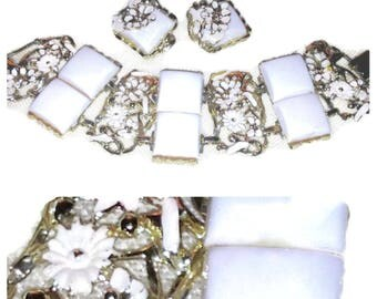 Vintage Thermoset White Breath of Spring Bracelet and Earring Set