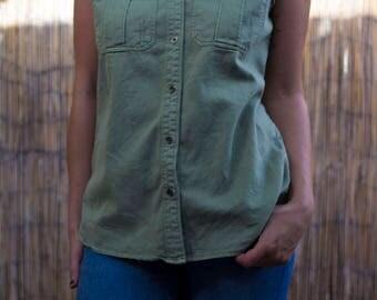 sleeveless button up