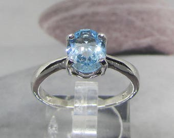 Ring sterling silver and Blue Topaz size 58