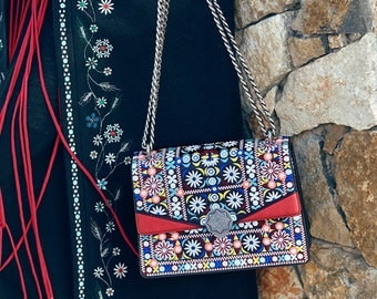 Leather Embroidered Bag Ethnic Style Shoulder Chain Bag