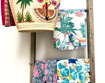 Vintage Hawaiian shirts/vintage floral shirts/vintage clothing/Hawaiian party/tropical shirts/vintage shirts/aummer fashion trends/summer