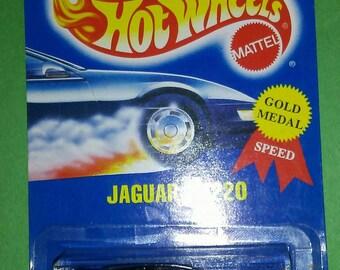 Hot Wheels Jaguar XJ220 all blue card