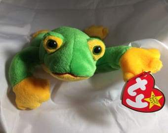 Smoochy the Frog  Original MWT Ty Beanie Baby  October 1, 1997