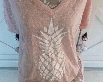 T-shirt with pineapple motif