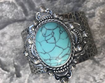 Silver cuff, silver detail, turquoise cuff