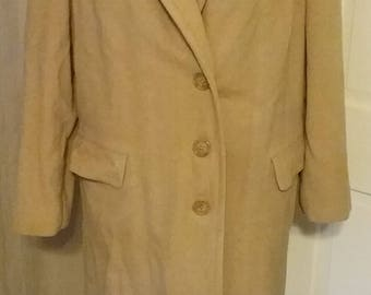 1940s 40s Ladies Camel Color Wool Coat with Padded Sleeve Caps Plus Size