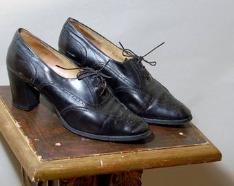 Vintage 1930's 1940's black leather made in Italy chunky heels size 39 1/2