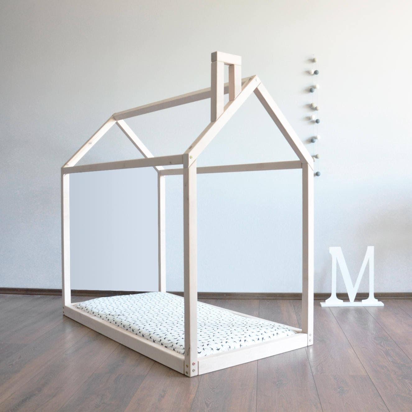Cama del ni o montessori casa marco beb cama cuna cama casa for Camas en forma de casa