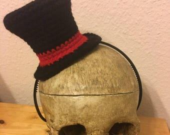 Mini Top Hat (crocheted)