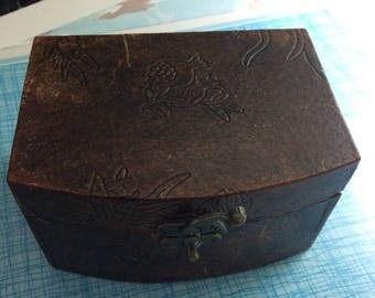 Vintage Leather covered jewlery box