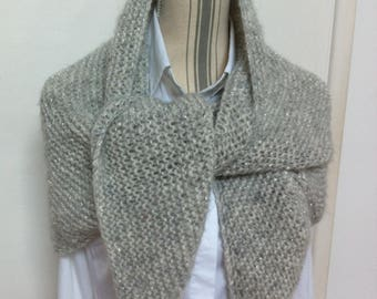 Trendy Pearl gray wool shawl + very light silver wire