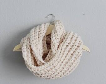 Chunky Crochet Infinity Scarf, Oversized Infinity Scarf, Warm Infinity Scarf, Crochet Cowl, Chunky Cowl, Chunky Scarf, Knit Infinity Scarf