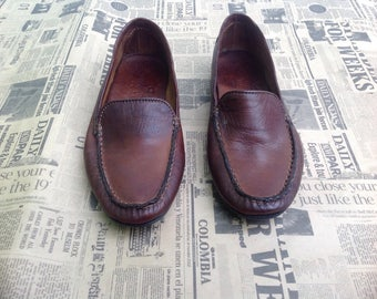 90s Moccasins. Vintage loafers Made in Italy. Leather Shoes. Leather loafers.