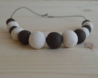 Black and white ceramic necklace