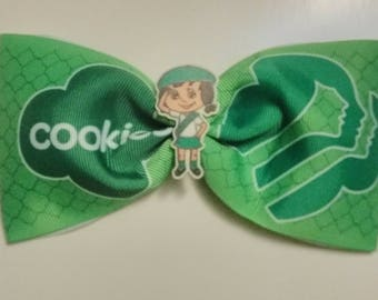 Girl Scout tailless cheer bow, girl scout pinch bow, green hair bow, girl scouts hair bow