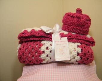 knit/crochet babyblanket/ raspberry blanket  + Free hat with the purchase of a baby blanket   NEW ITEM !!!