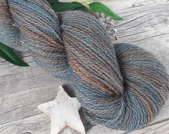 """Handspun Yarn - """"Stormy 'Autumn I"""" - bluefaced leicester - hand dyed - 300yds/3,81oz - 2ply"""