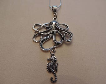 Jules Verne, Octopus necklace and hippocampus