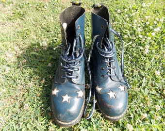 Ladies Dr Martens boots vintage DMs doctors blue with stars