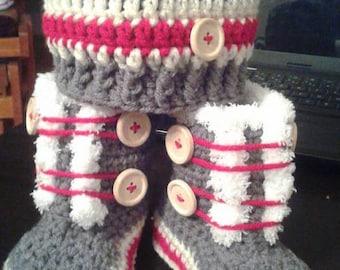 Crochet slipper set