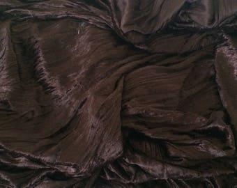 Velvet ruffled Brown width 140