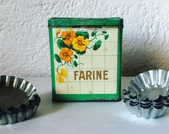 Vintage flour box steel painted. s. 1940 french vintage. french flowers. Nasturtiums