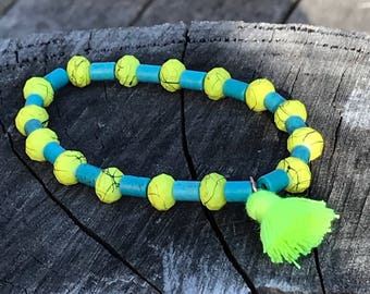 Yellow and blue single ring bracelet