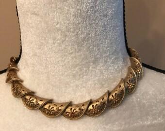 Coro Vintage Choker Necklace.