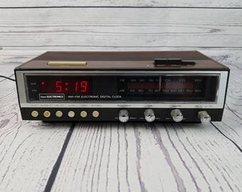 Vintage Sears Electronics Wood Panel Alarm Clock Radio Faux Wood Grain FM/AM Dual Bedside Electronic Digital Display Hong Kong
