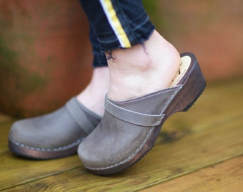 Swedish Clogs Classic Taupe Nubuck Leather on Brown Base by Lotta from Stockholm / Wooden Clogs / Handmade / Mules / Low Heel Shoes / Sweden