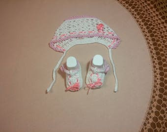 Baby's set hat and booties, hand knitted