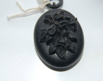Vintage Victorian vulanite mourning locket.