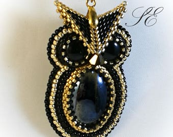 Beaded Owl necklace, seed bead necklace, owl pendant-gufetto beads, gufetto pendant.