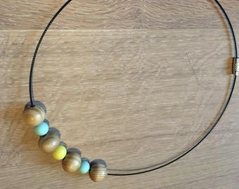 Beaded loop necklace
