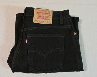 Vintage 1990's Levis  550 Relaxed Fit High Waist Black Tapered Leg Denim Mom Jeans Size 30 x 31