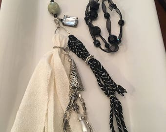 Black and white tassel neacklace