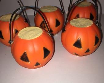 Fall/ Halloween / Halloween cauldron bath bombs/ cauldron bath bombs/ Halloween bath bomb / Halloween bath bombs / Halloween theme