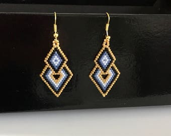 Earrings triangular miyuki