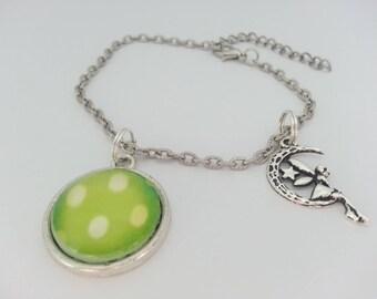 Bracelet and 20 mm green dot glass cabochon.