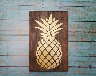 Pineapple sign